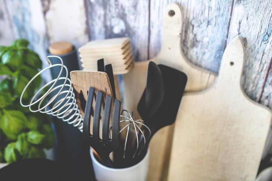 Tärkeitä tarvikkeita keittiöön